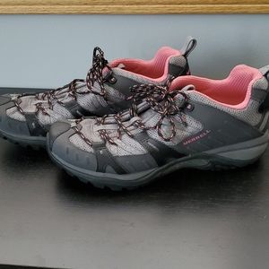 Black/Pink Merrell Hiking Shoes - size 10